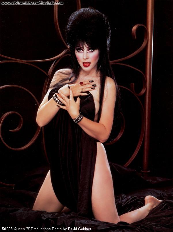 Порно фотки эльвиры повелительницы тьмы
